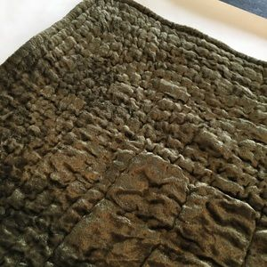 NWT Pine Cone Hill Velvet Quilted Euro Pillow Sham